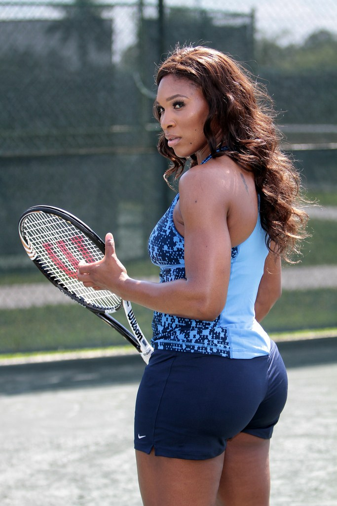 Serene Williams playing Tennis