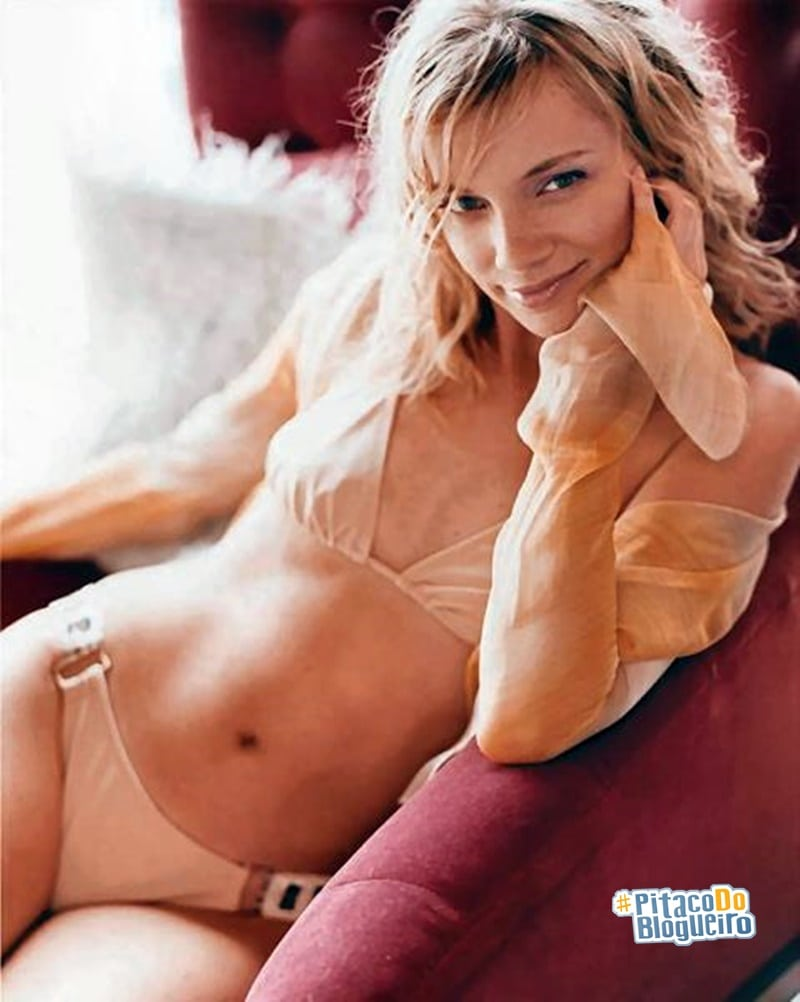 Amy Smart Hot Images 37 hottest amy smart pictures that are too hot to handle