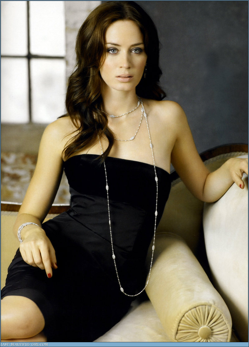 Emily Blunt on Photoshoot