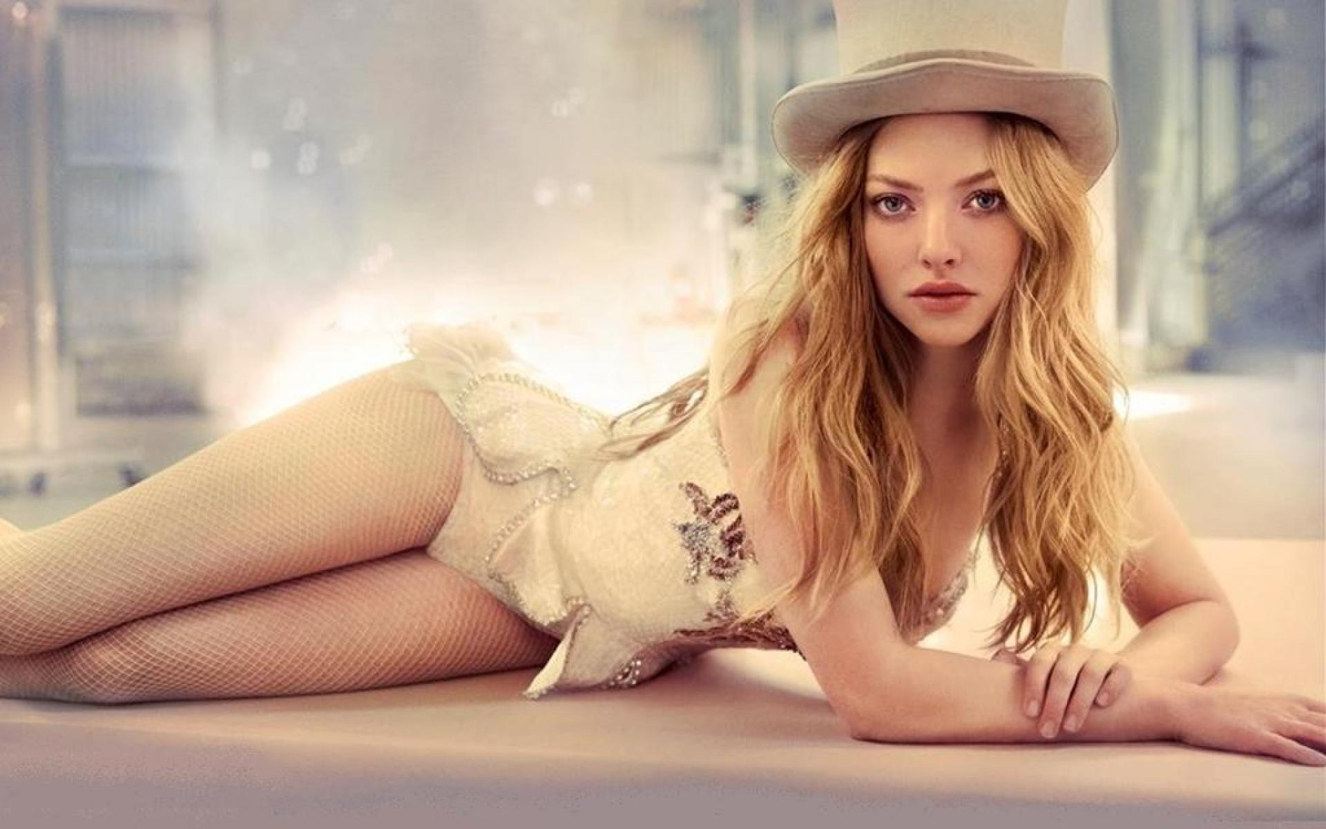 Amanda Seyfried Hot Video 61 hottest amanda seyfried pictures will make you melt like