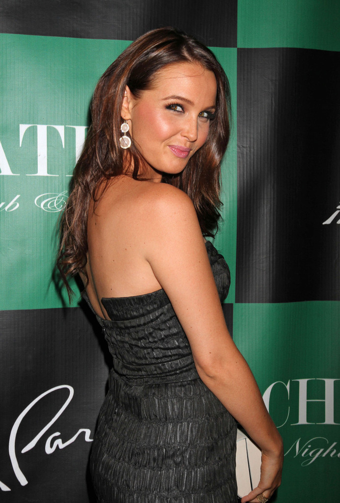 Camilla Luddington Sexy