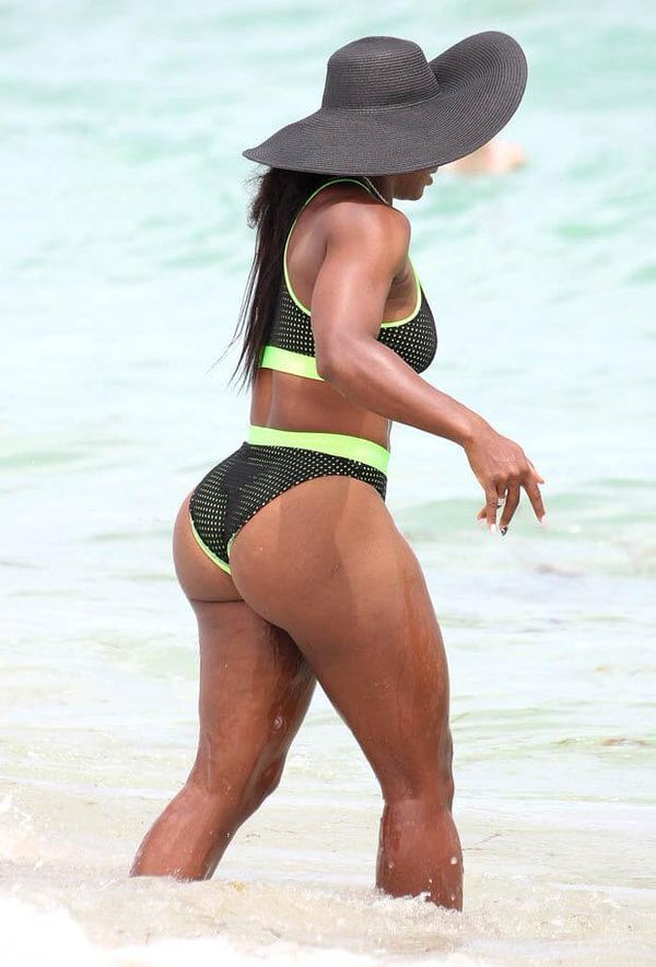 Serene Williams wearing Cap on Beach