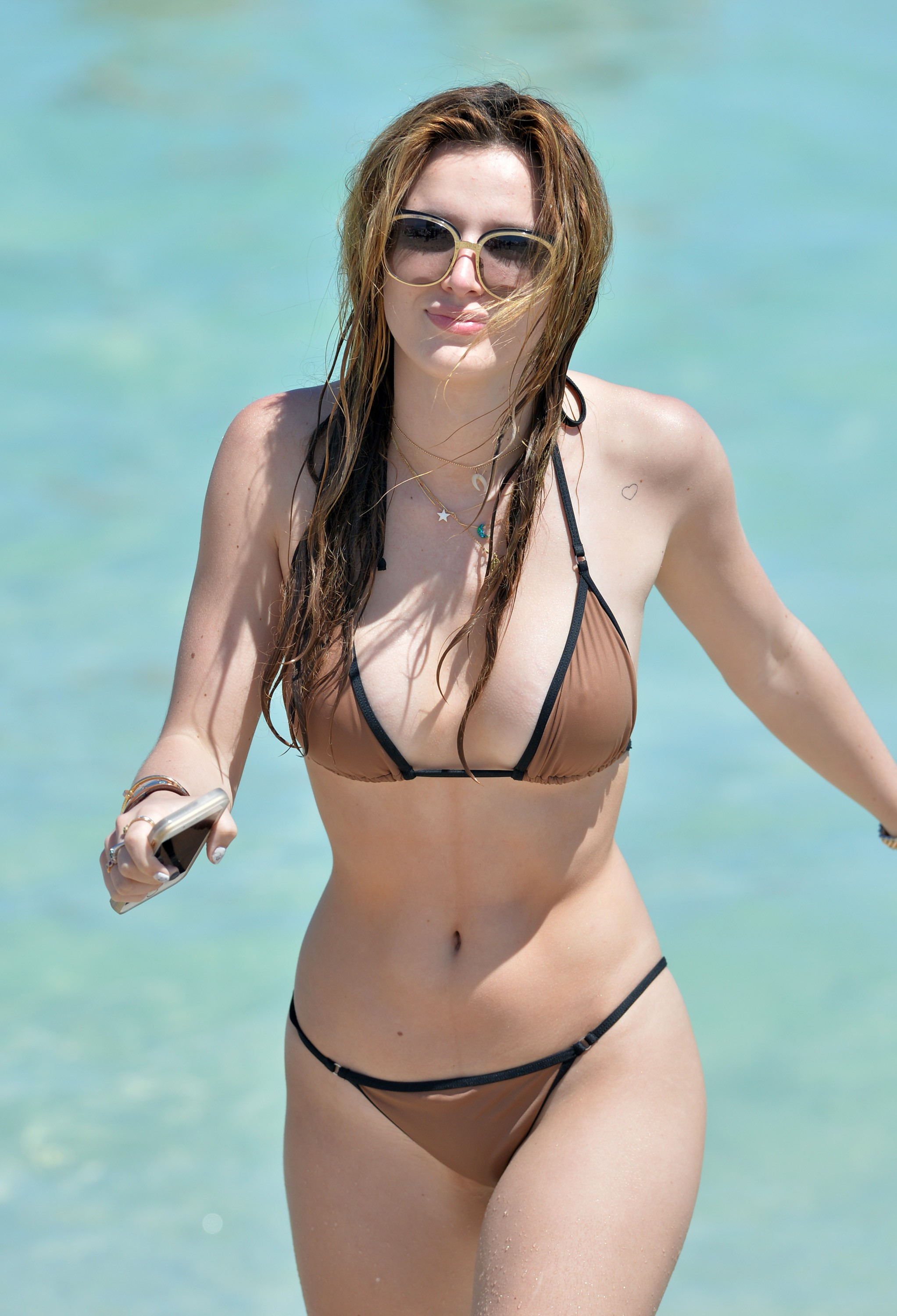 bella thorne hot