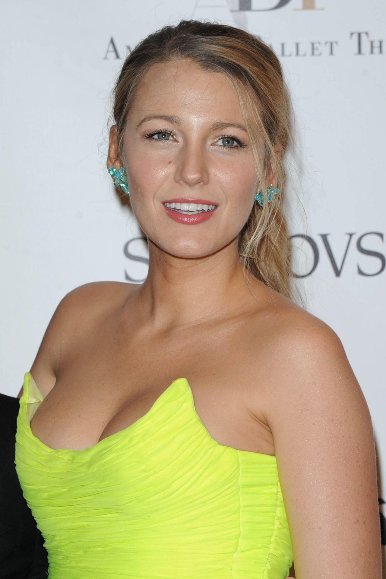 Cleavage Blake Lively nudes (44 photo), Ass, Leaked, Twitter, lingerie 2006