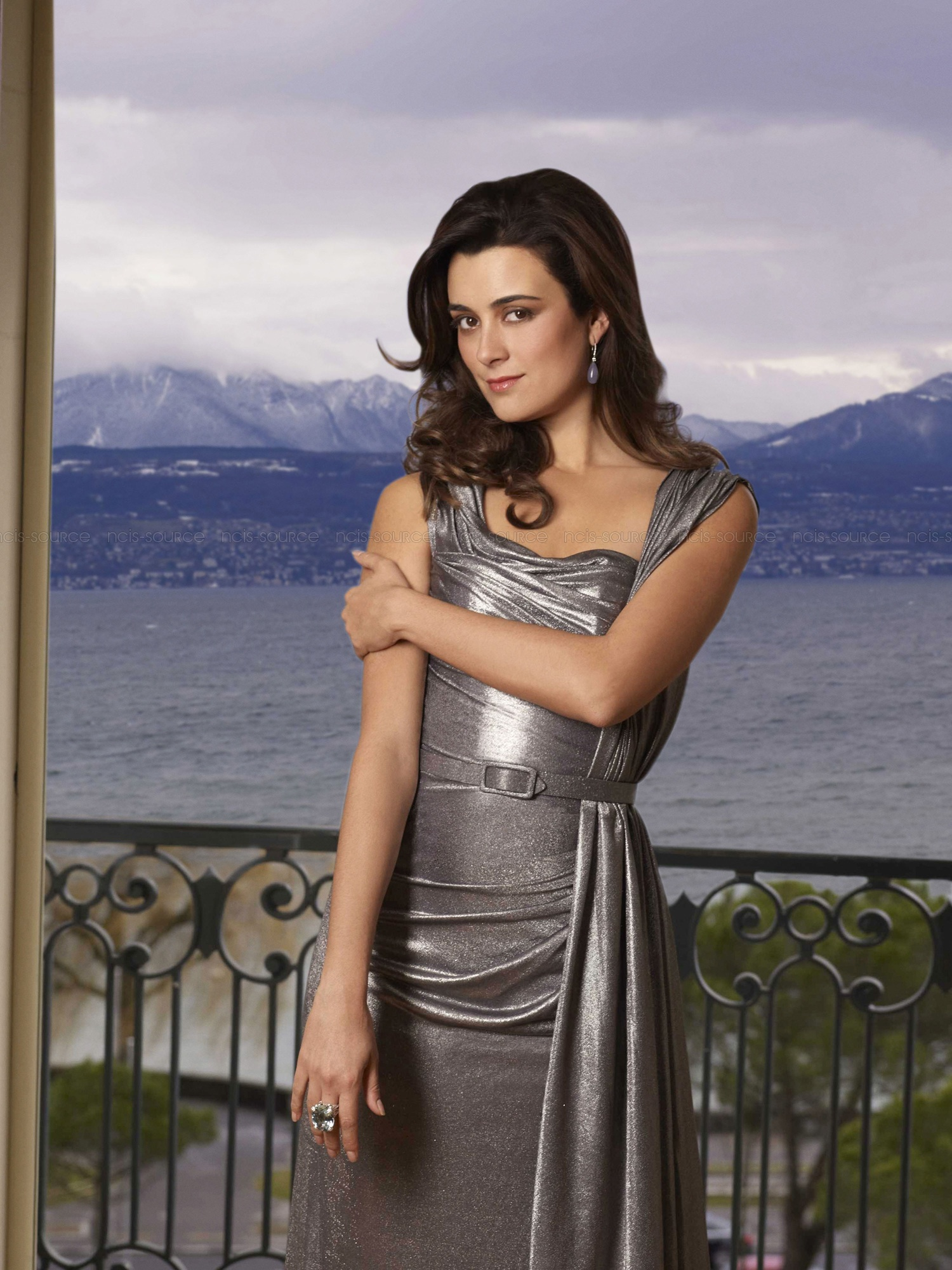 42 Hot Pictures Of Cote De Pablo From NCIS Will Raise Your