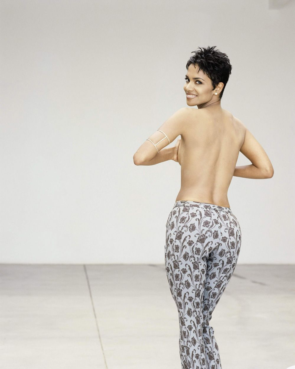 halle berry bubble butt