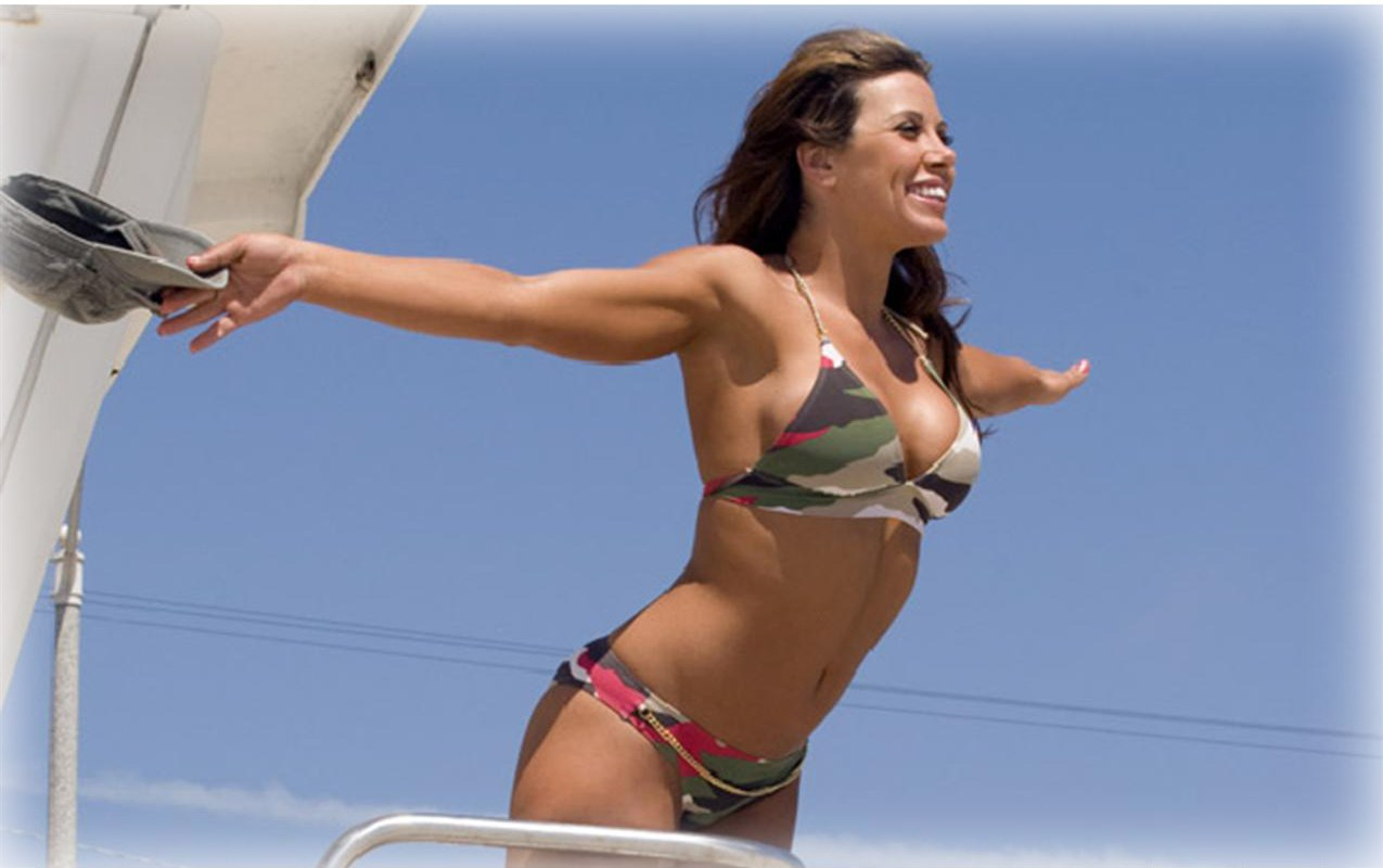 Mickie James Hot in Bikini