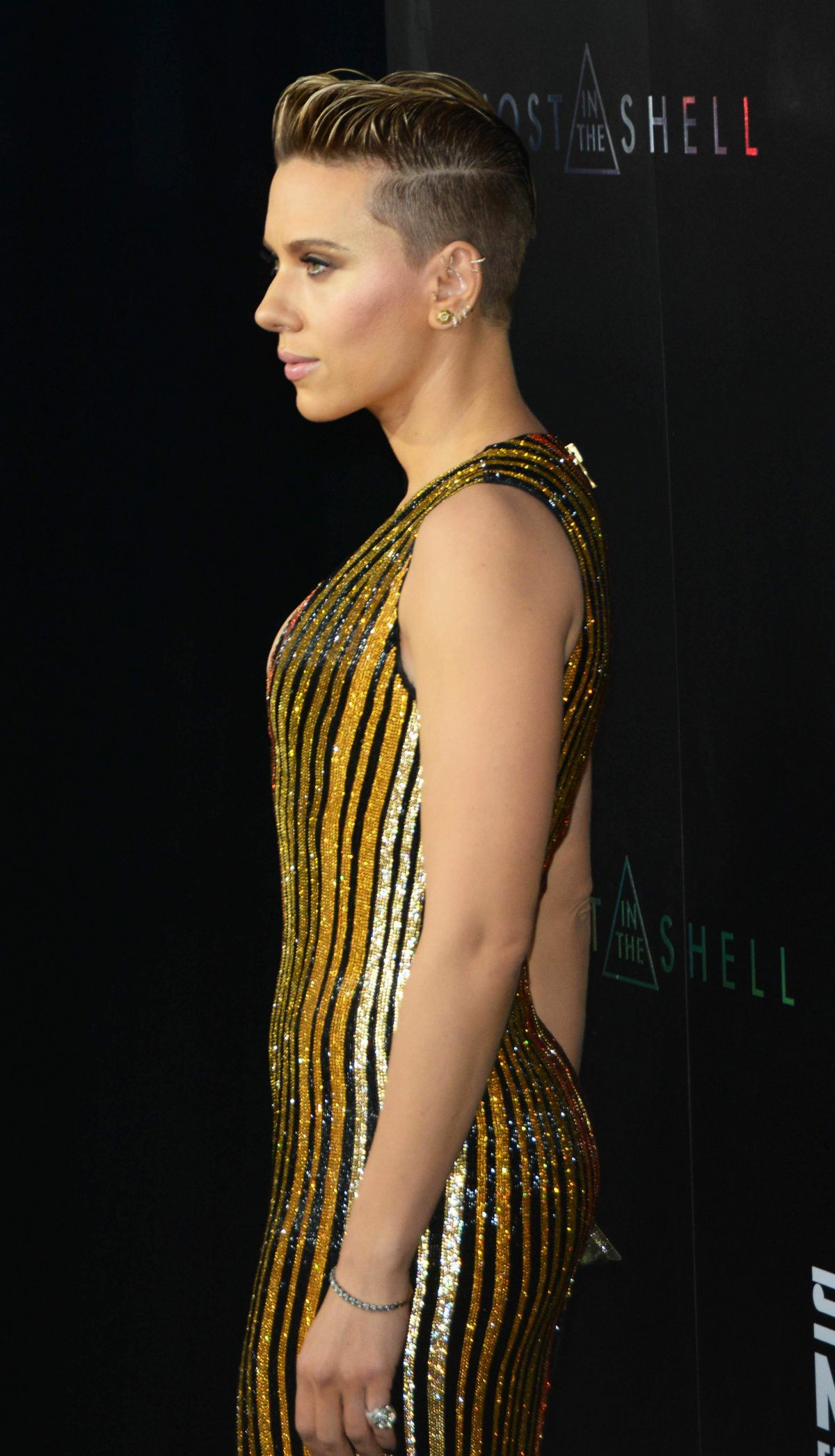 Scarlett Johansson Fashionable Actress