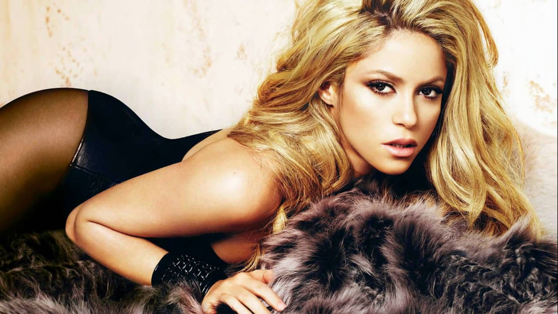 Shakira Hot Photoshoot
