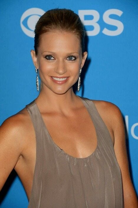 a.j. cook sexy smile