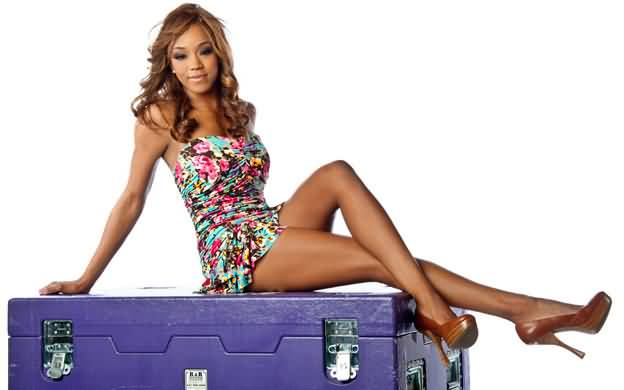 alicia fox hottie legs