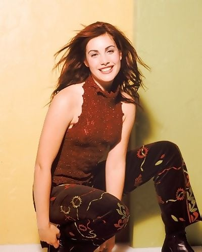 carly pope gorgeous look