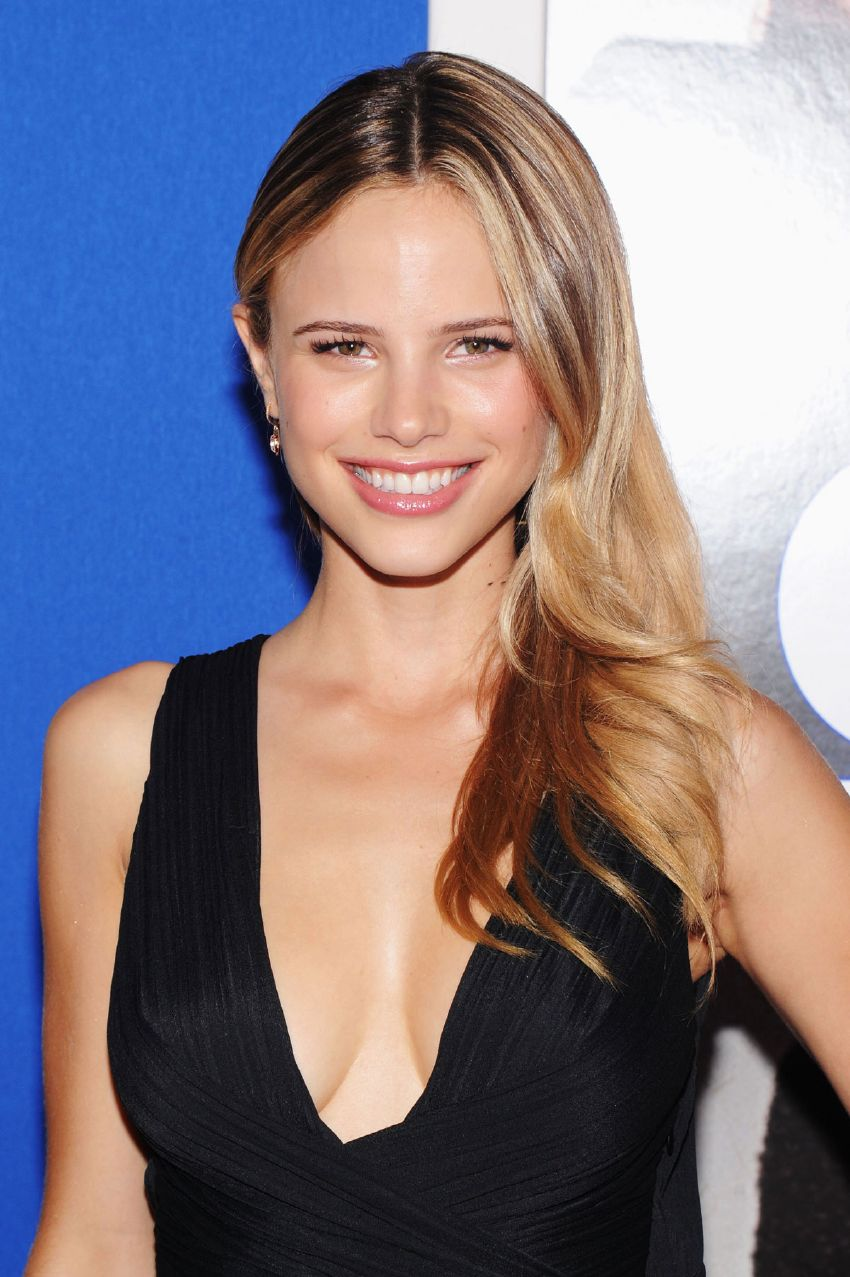 Cleavage Halston Sage naked (79 photos), Tits, Sideboobs, Twitter, cameltoe 2017