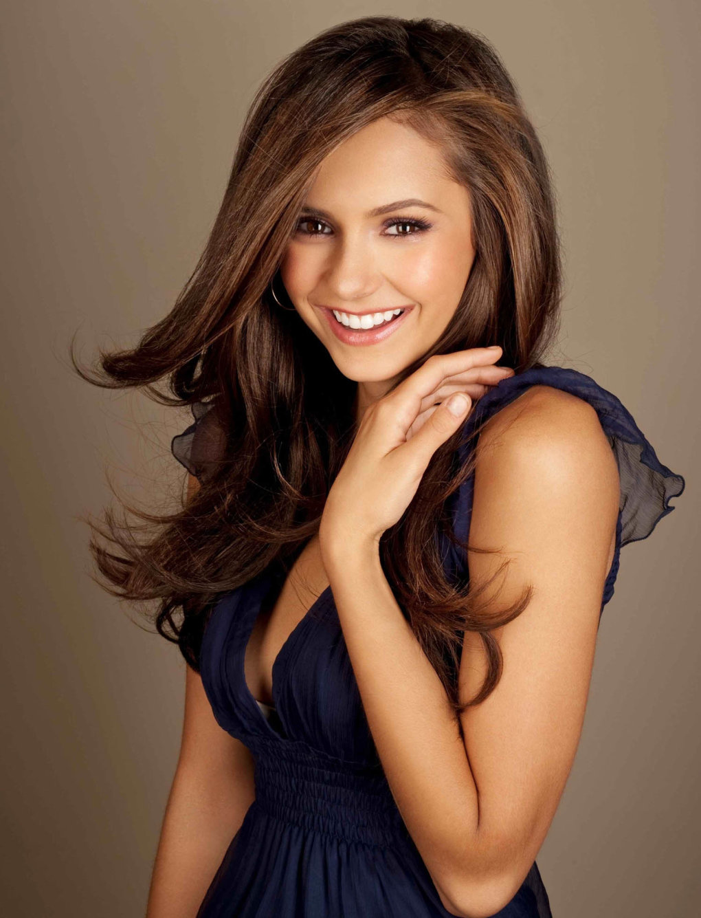 nina dobrev petty smile