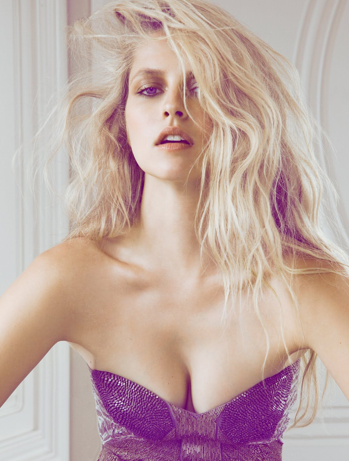 37 Hottest Teresa Palmer Pictures Will Make You Hot Under -9684