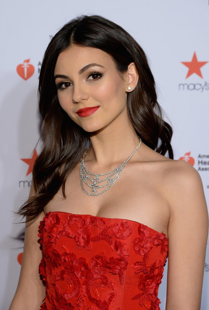 victoria justice red dress