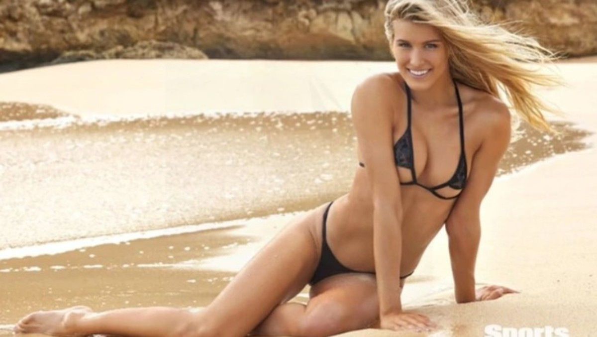 Eugenie Bouchard in Bikini