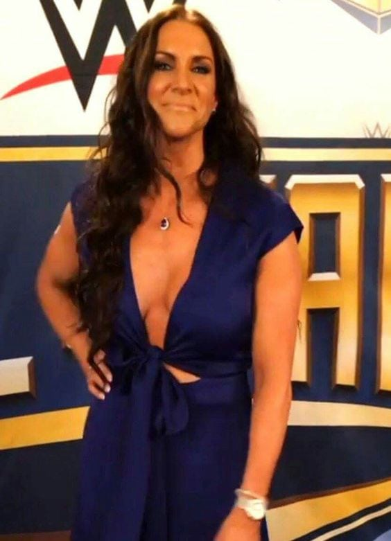 Stephanie Mcmahon Cleavage Hot