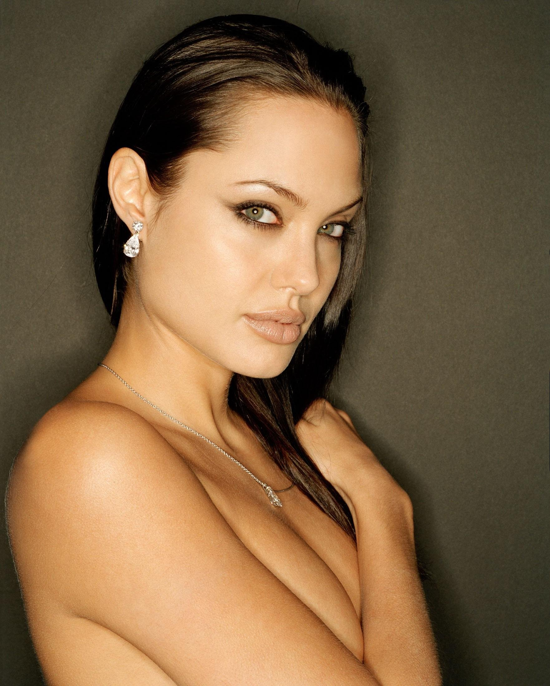 Angelina Jolie Nude Preview