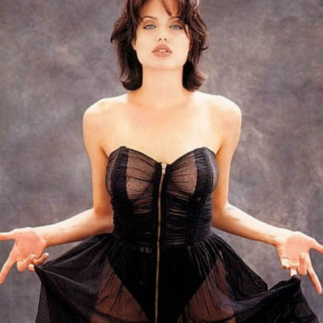 61 Hot Pictures Of Angelina Jolie Will Make You Envy Brad Pitt-7800