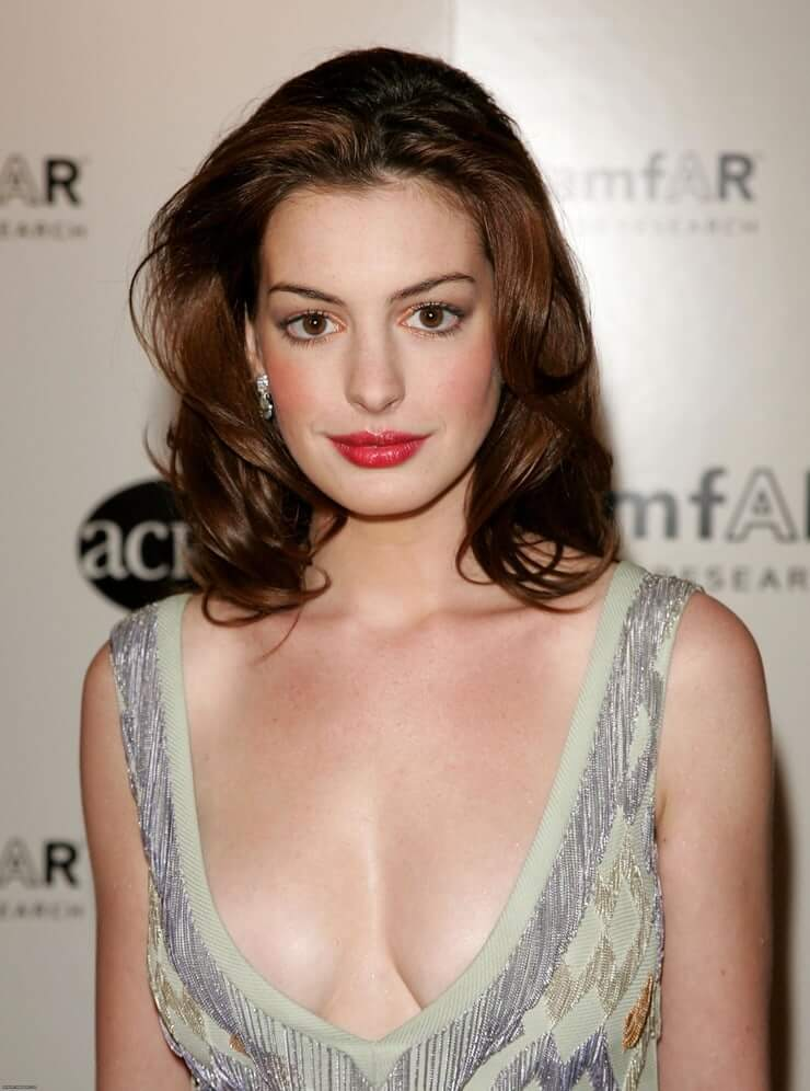 70 Hot Pictures Of Anne Hathaway Are Here To Prove She Is A Real