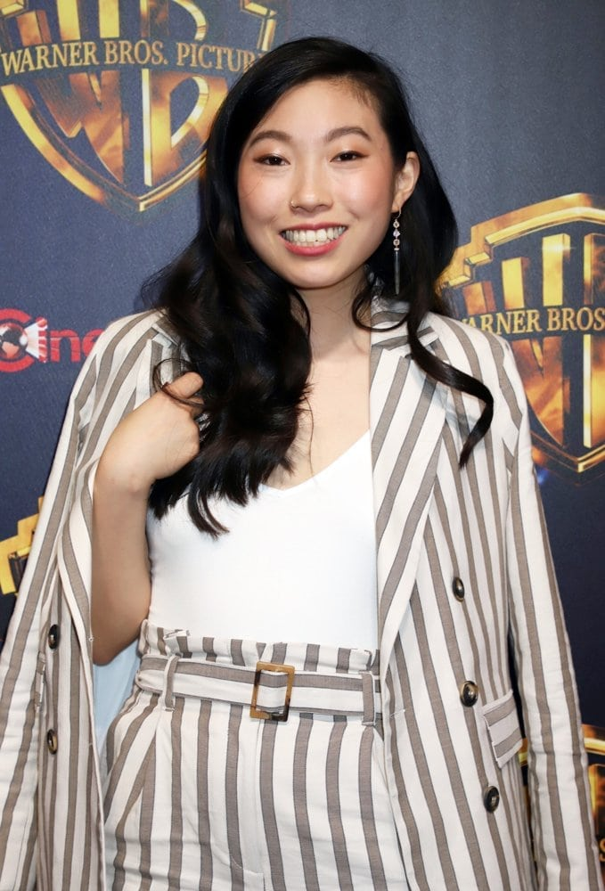 awkwafina awesome dress