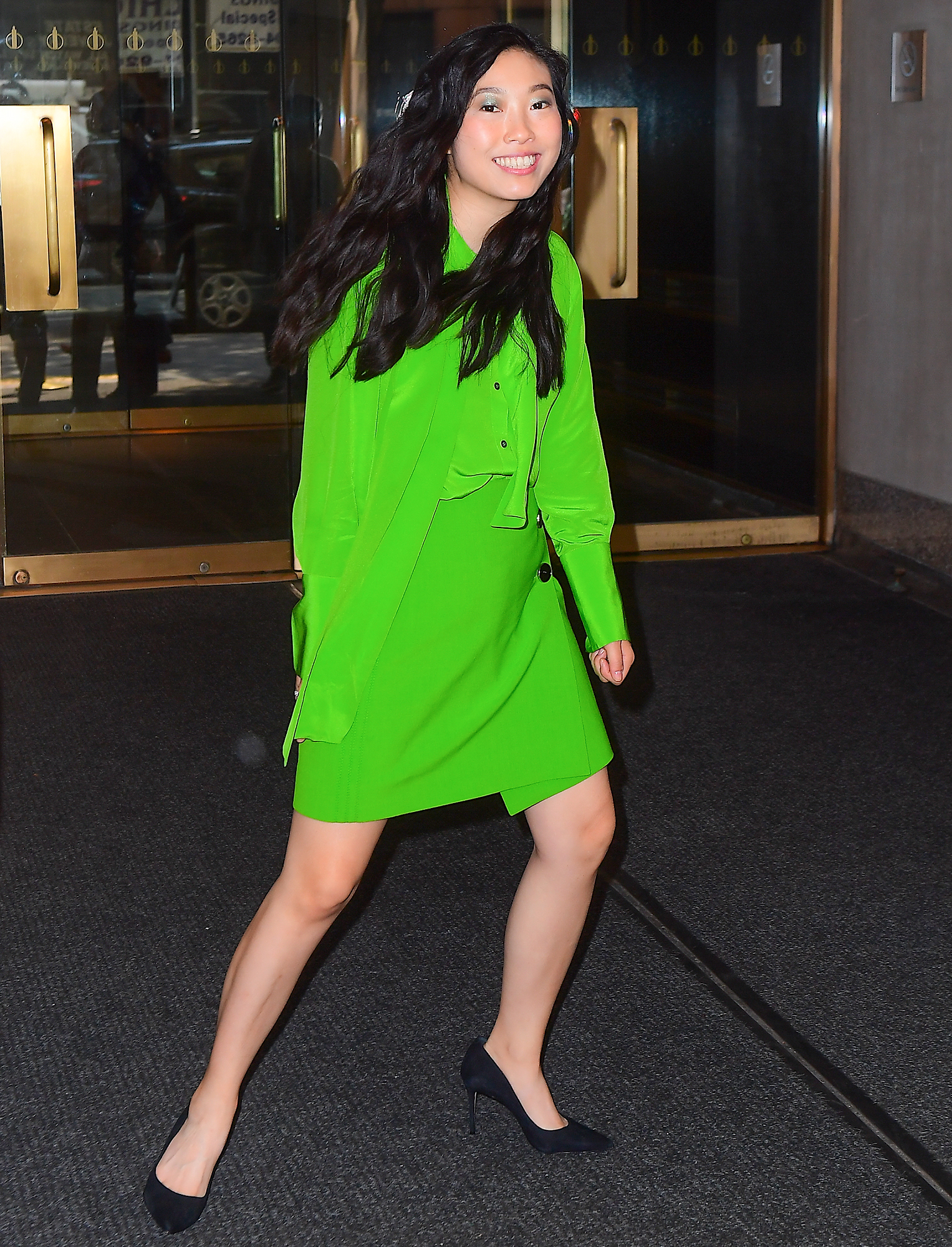 awkwafina green dress