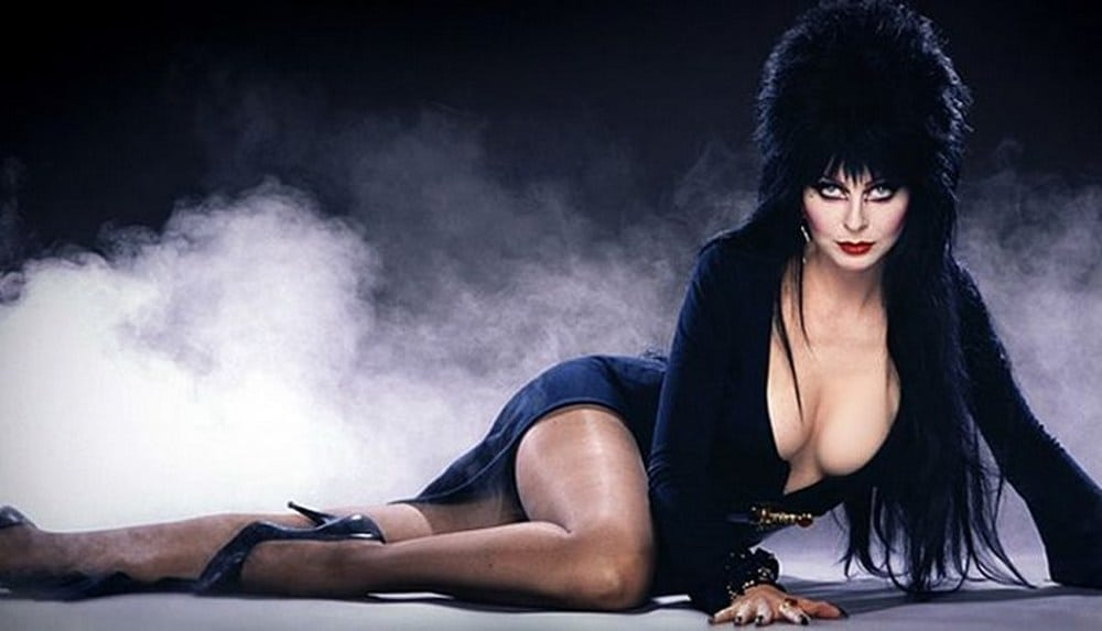 cassandra peterson hot cleavage