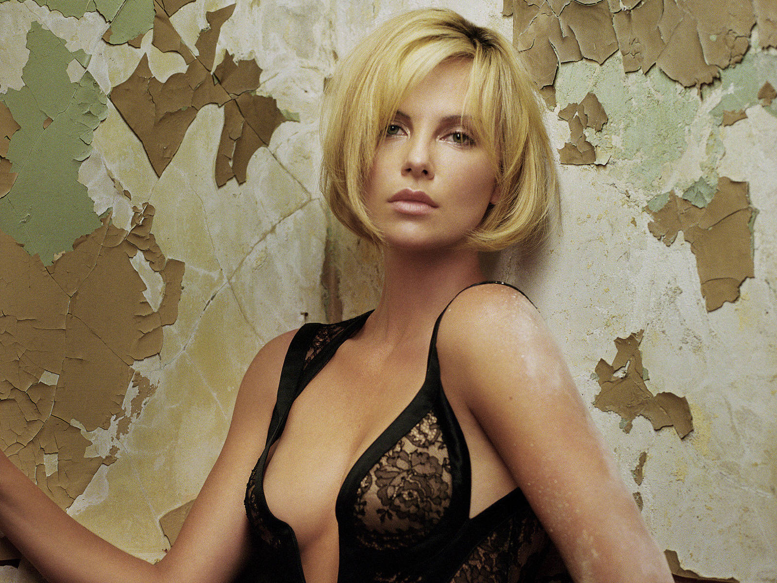 The best naked pictures of charlize theron images 451
