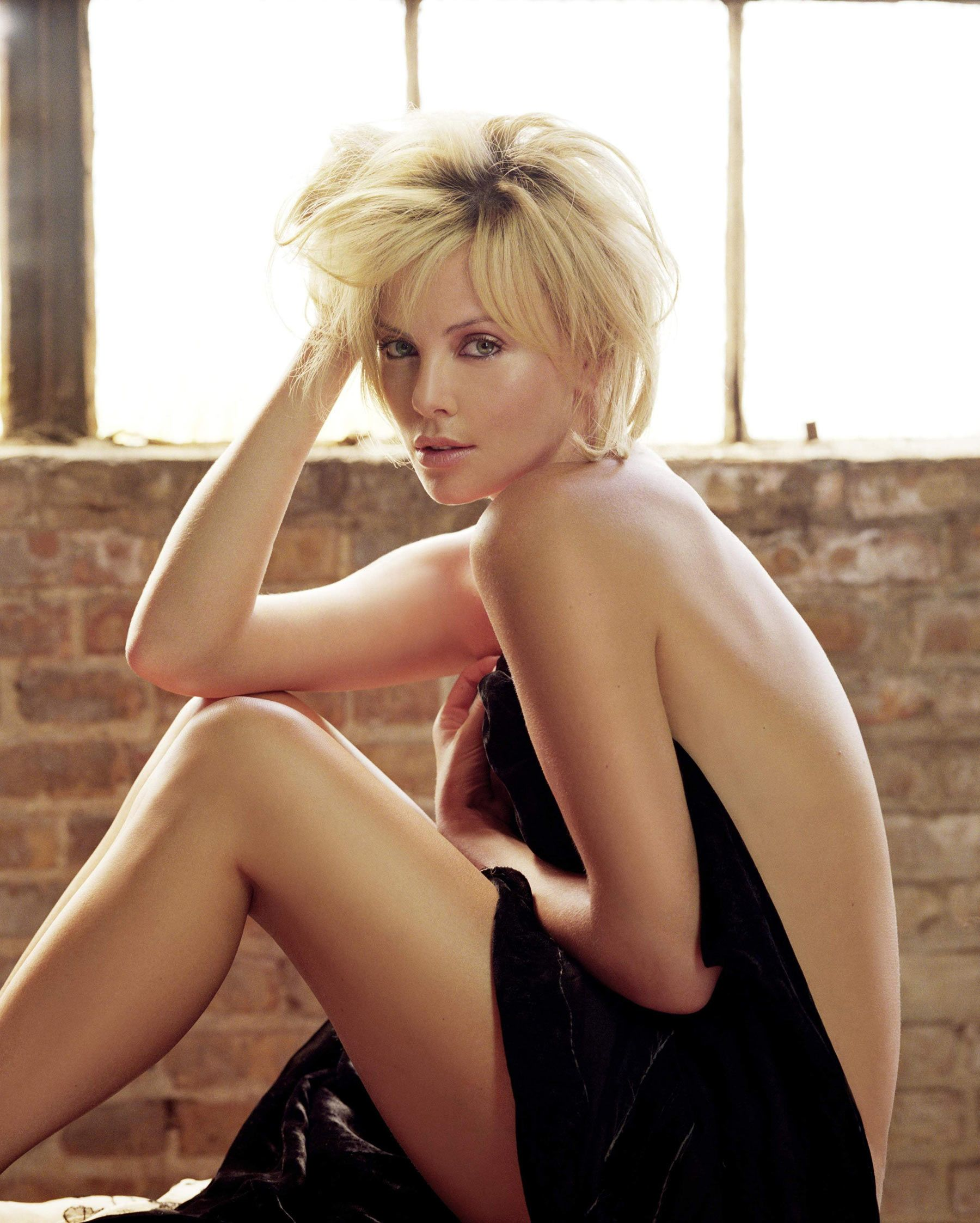 Naked photos of charlize theron