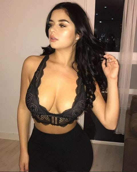 demi rose cleavage pictures