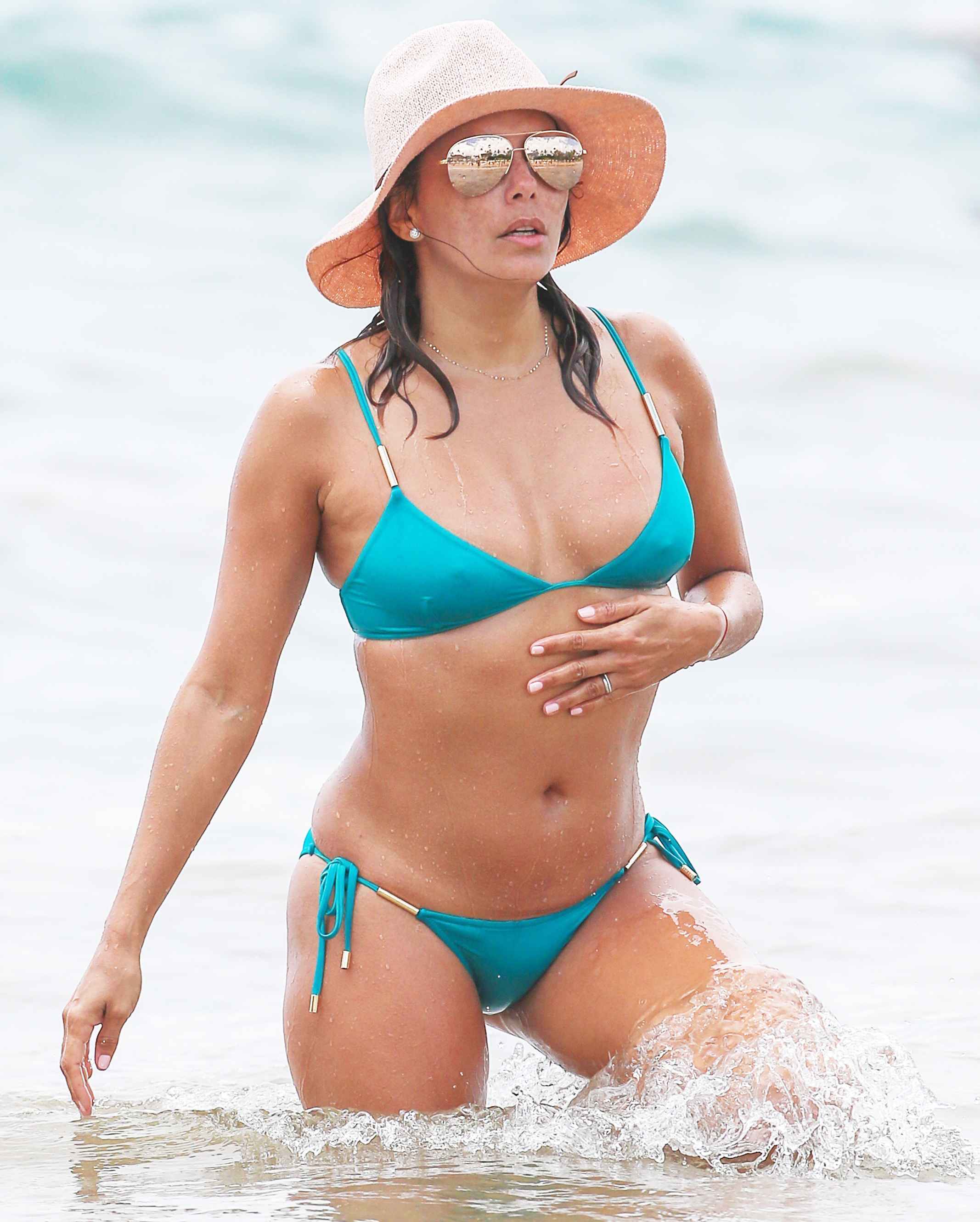 eva longoria in the water