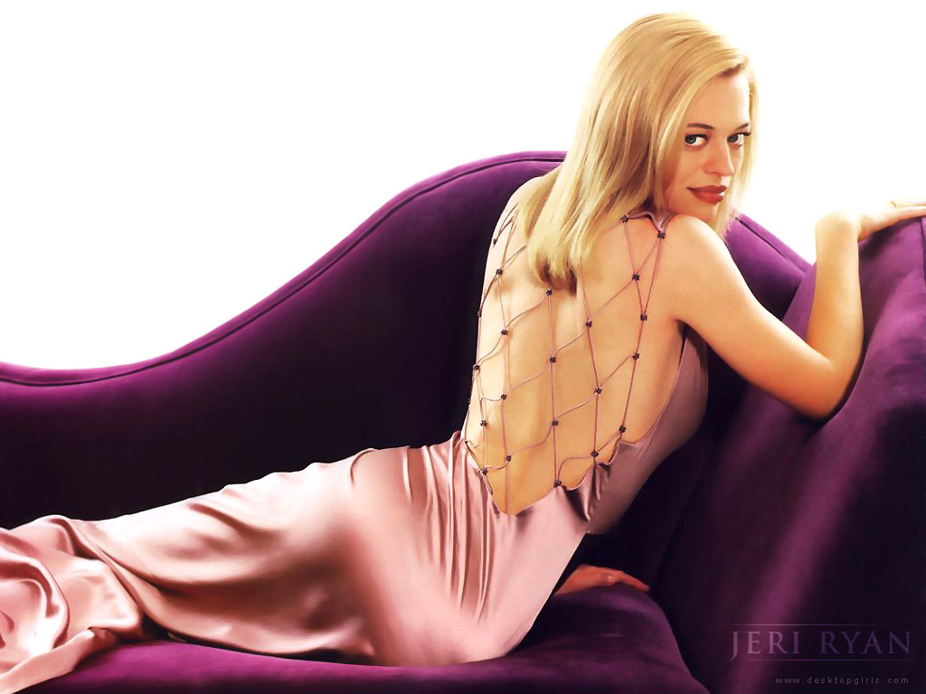 jeri ryan back