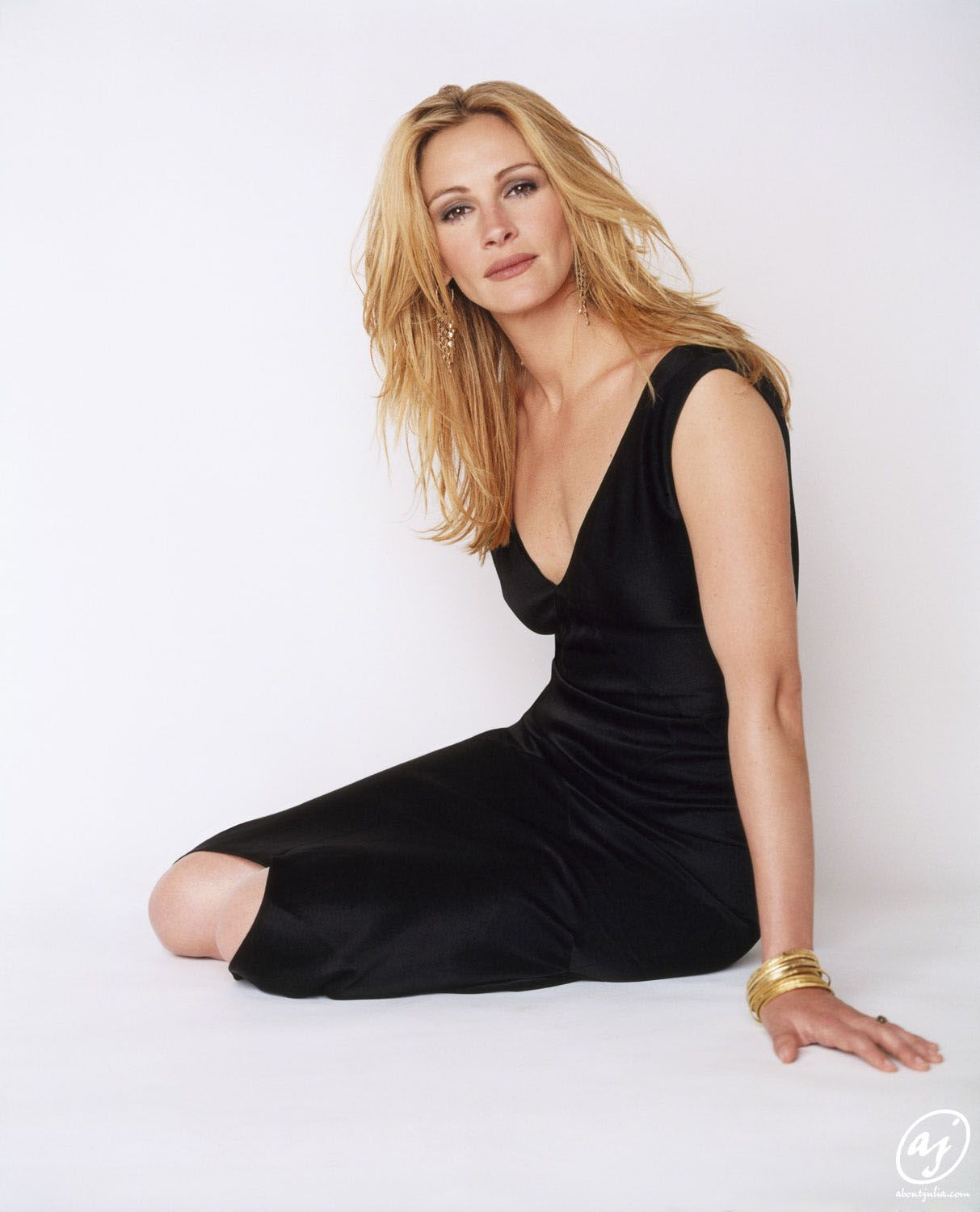 65 Hot Pictures Of Julia Roberts Will Prove Why She Is
