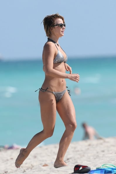 julianne hough beach