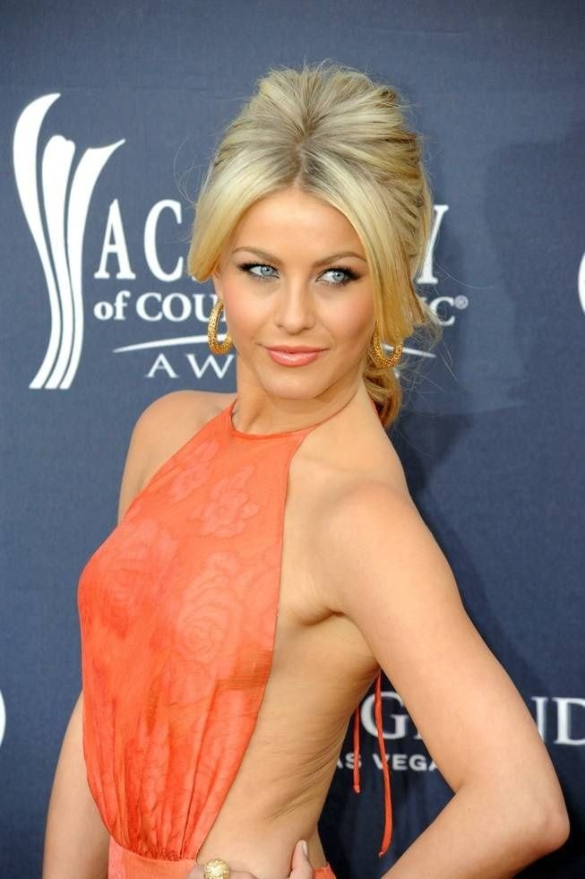 julianne hough hottie look
