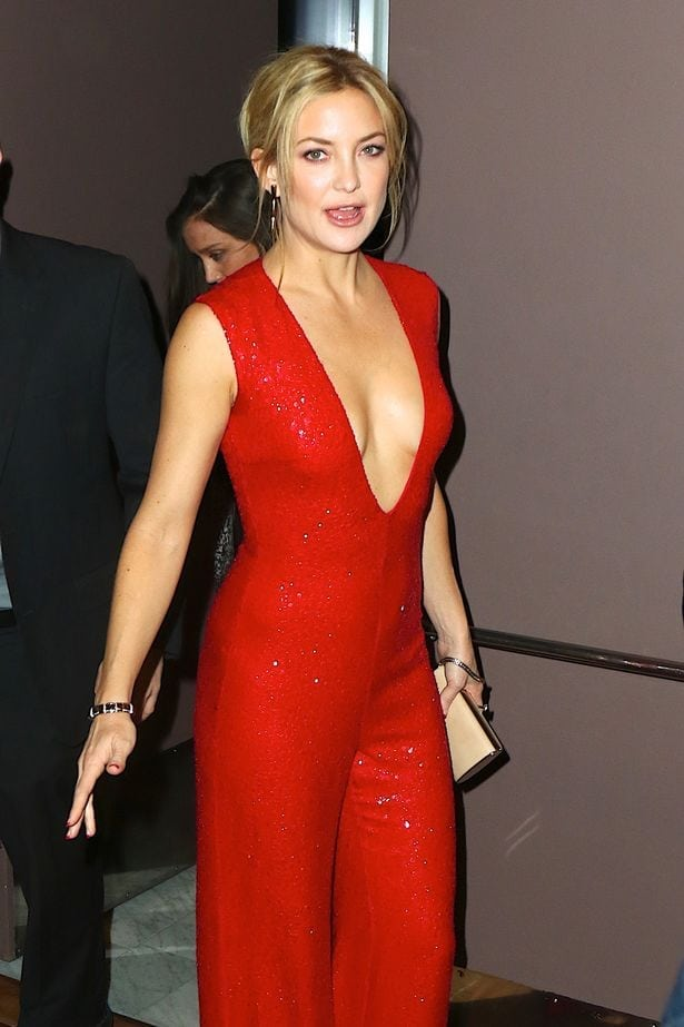 kate hudson hot cleavage