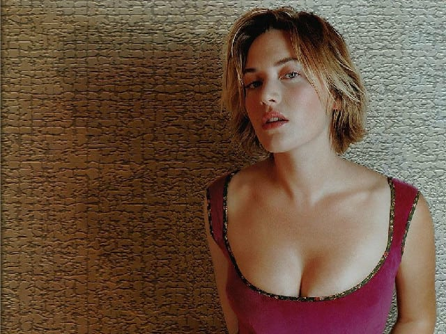 Kate winslet hot boobs