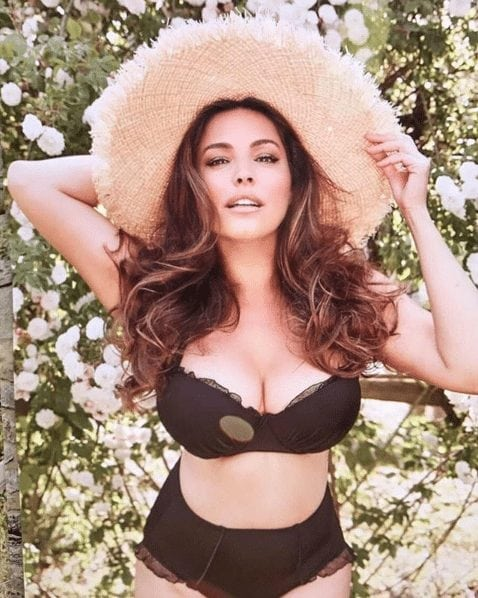kelly brook awesome