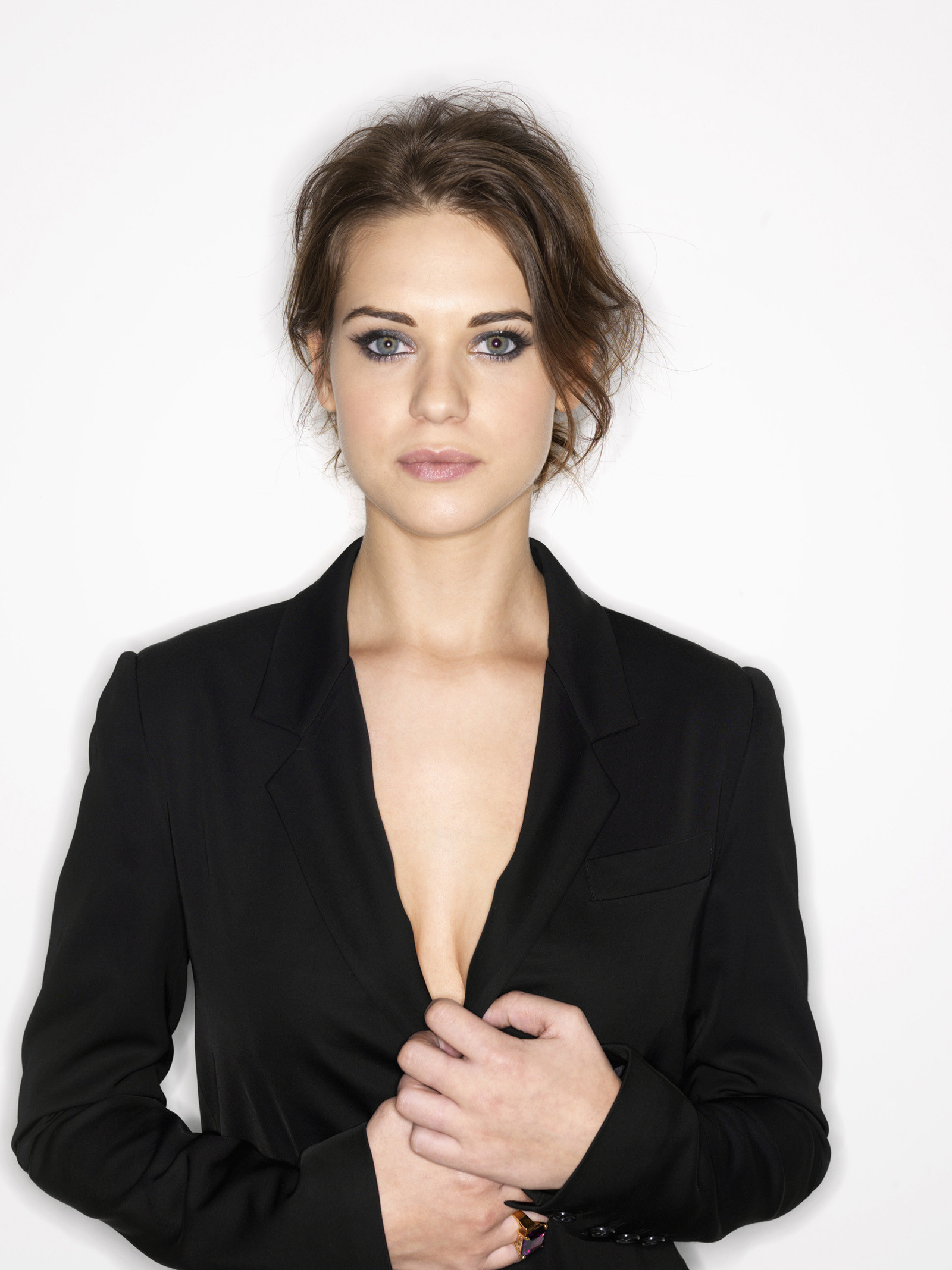 lyndsy fonseca beautiful look