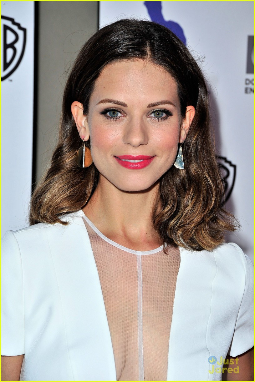 lyndsy fonseca sexy cleavage