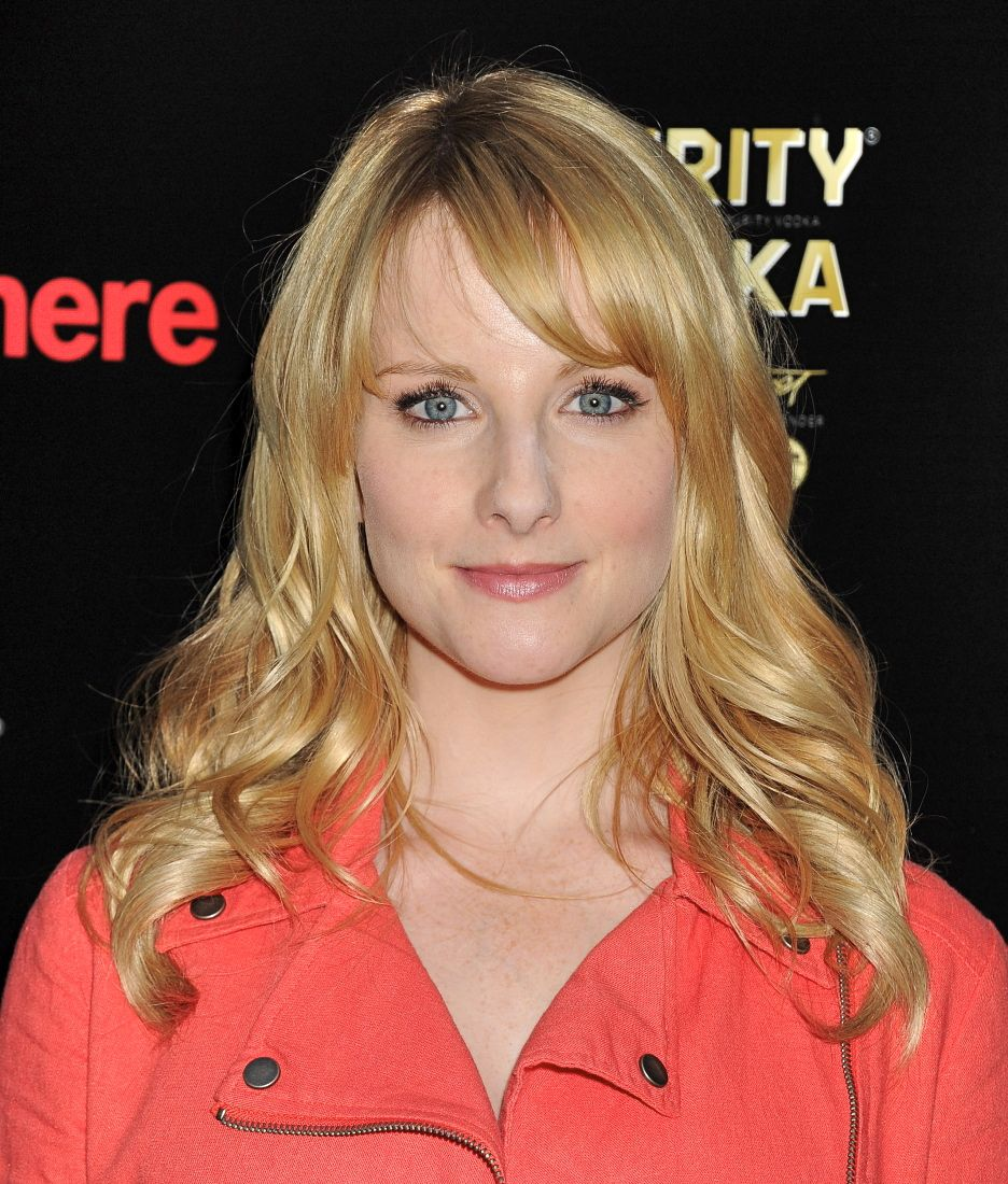 75+ Hot Pictures Of Melissa Rauch With Amazing Sexy Curves Will Dissolve You | Best Of Comic Books