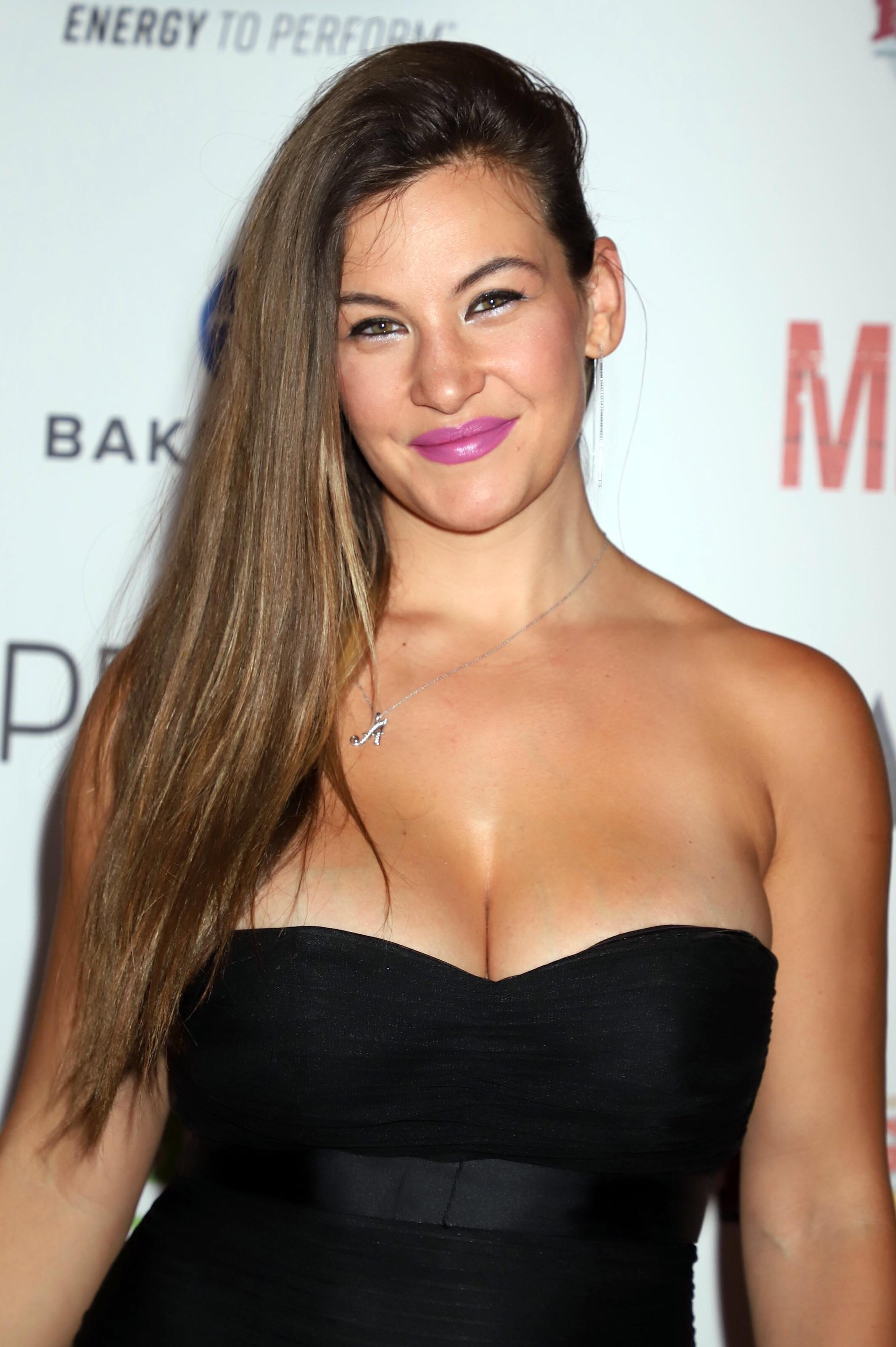 miesha tate hot cleavage