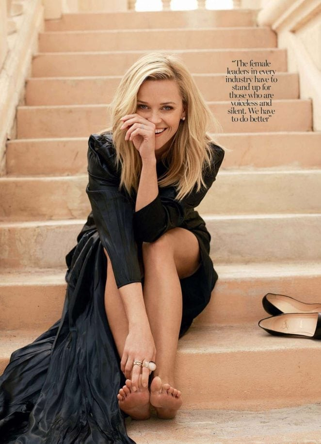 reese witherspoon hot legs