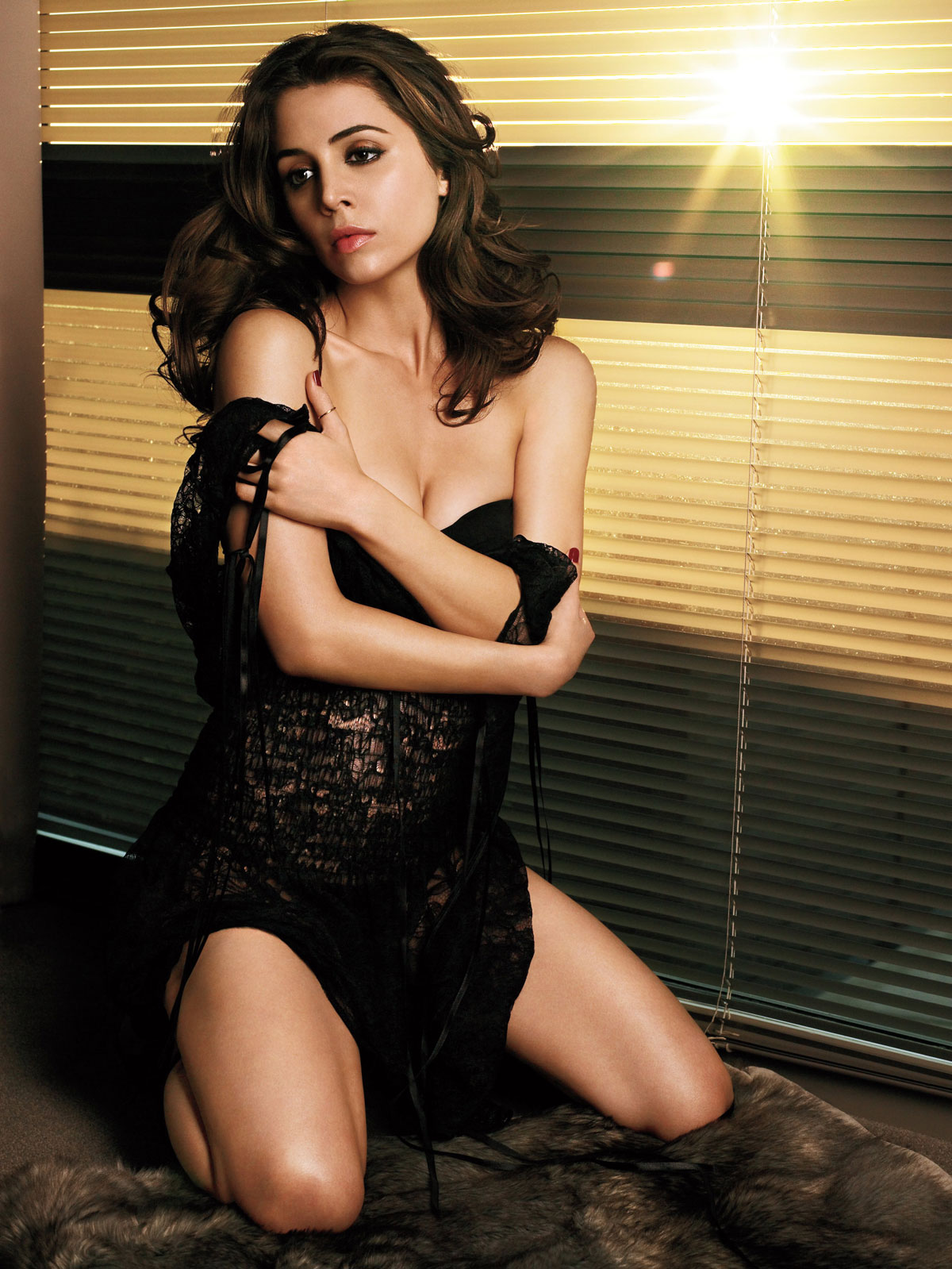 Eliza Dushku Hot in Black