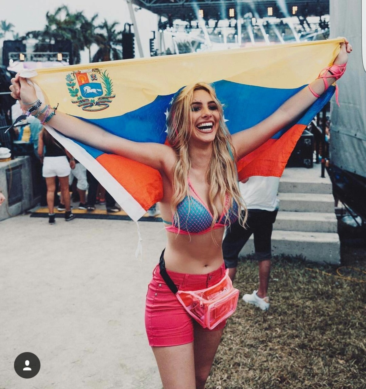 Lele Pons with Flag