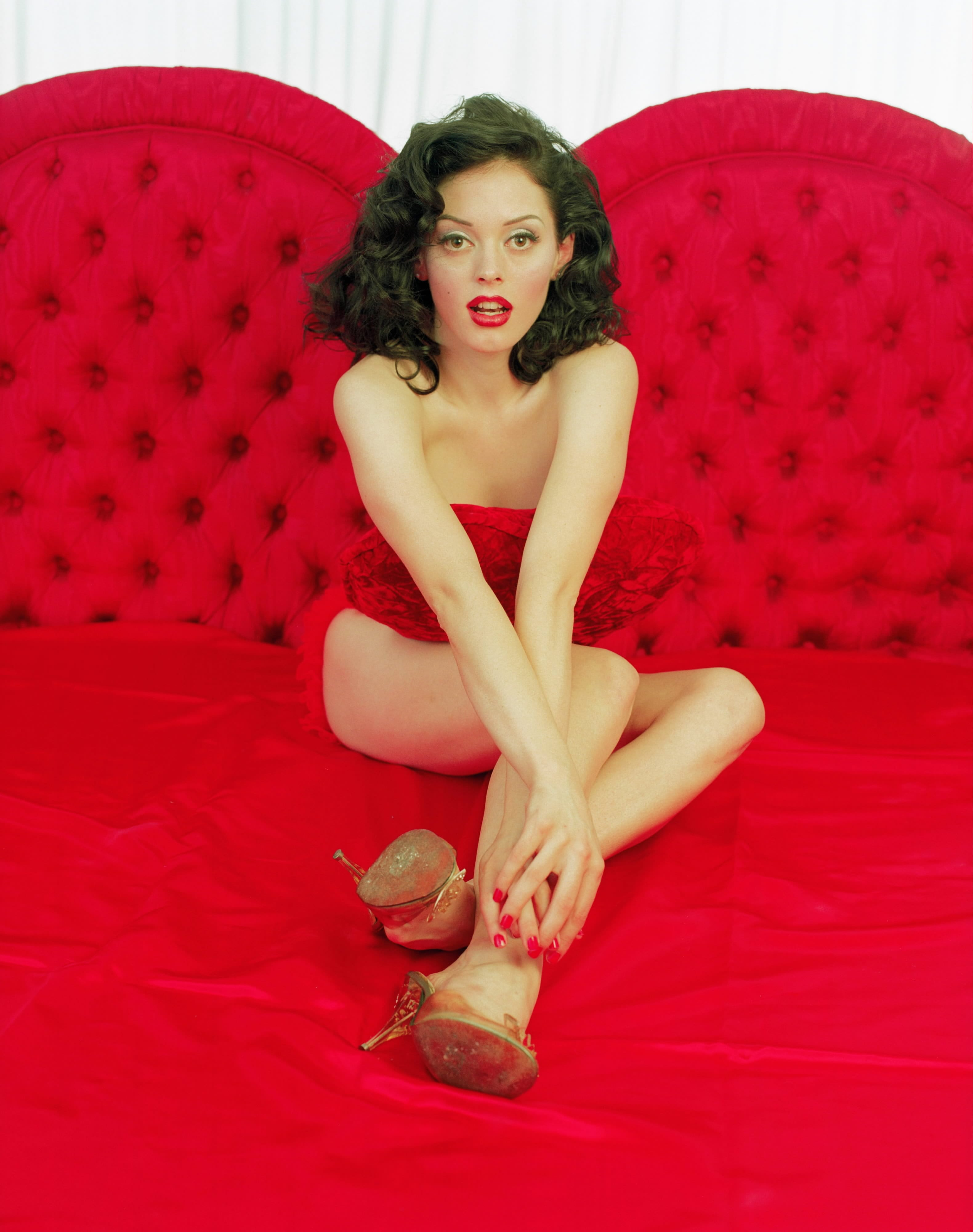 44 Hot Pictures Of Rose Mcgowan Are Deliciously Sexy And