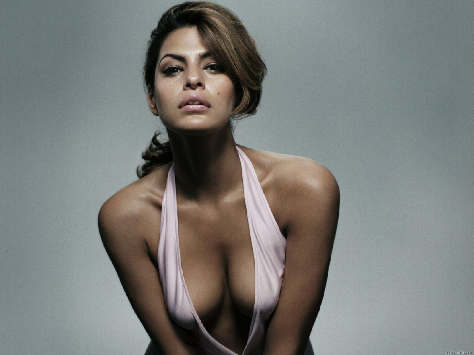 Eva Mendes Showing Boobs