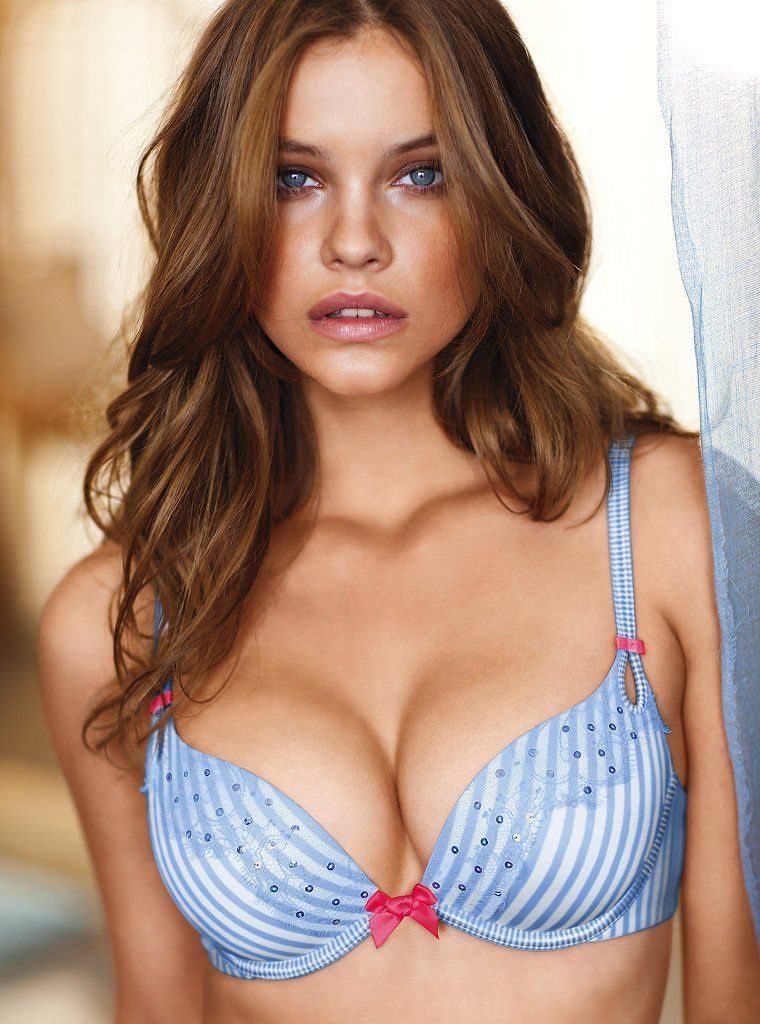 Barbara Palvin Hot