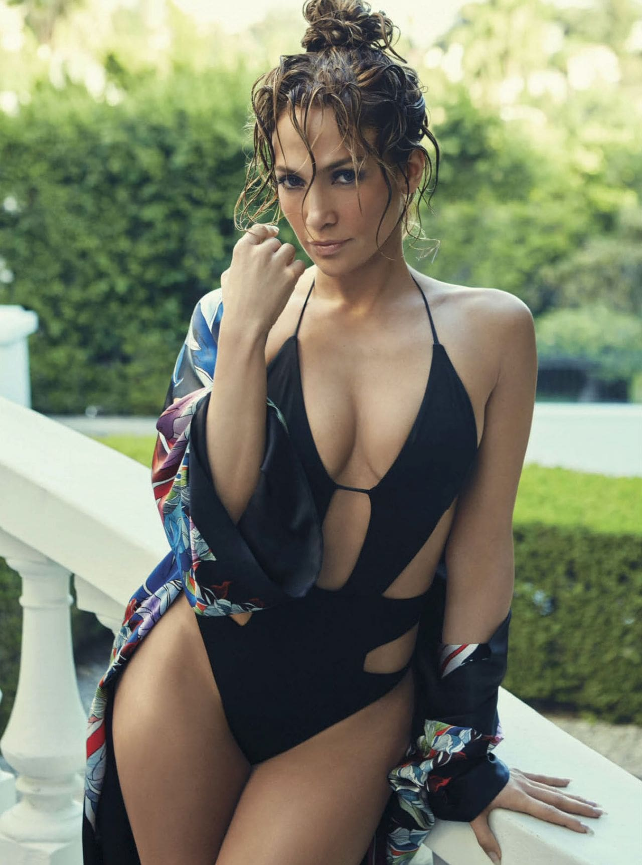 Jennifer Lopez Hot in Black